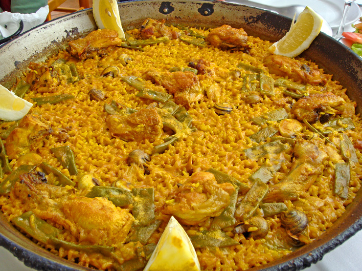 Learn To Cook Authentic Paella Valenciana | DISCOVER VLC VALENCIA
